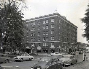 Hotel-Olympian_1954